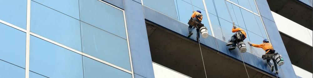 Glasbewassing bedrijfspand